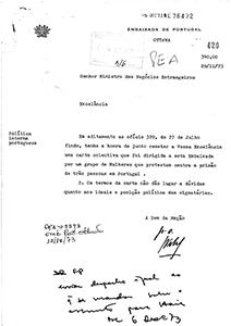 Ofício da Embaixada de Portugal em Otava a remeter uma carta dirigida à embaixada por um grupo de mulheres que protestam contra a prisão das autoras do livro